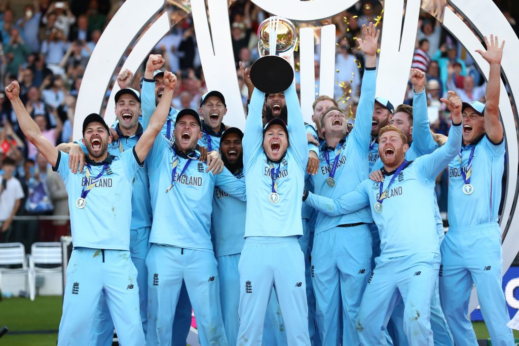 LONDON, ENGLAND - JULY 14: England captain Eoin Morgan lifts the ICC World Cup trophy during the Final of the ICC Cricket World Cup 2019 between New Zealand and England at Lord's Cricket Ground on July 14, 2019 in London, England. (Photo by Michael Steele/Getty Images)