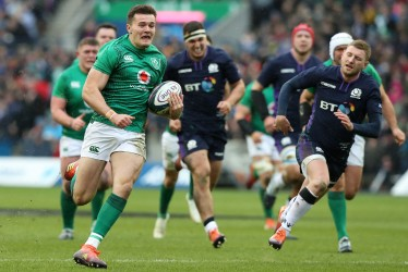 EDINBURGH, SCOTLAND - FEBRUARY 09: Jacob Stockdale of Ireland breaks clear to score their second try during the Guinness Six Nations match between Scotland and Ireland at Murrayfield on February 09, 2019 in Edinburgh, Scotland. (Photo by David Rogers/Getty Images)