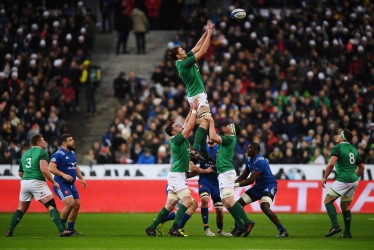 PARIS, FRANCE - FEBRUARY 03: Iain Henderson of Ireland wins a lineout ball during the Natwest Six Nations round One match between France and Ireland at Stade de France on February 3, 2018 in Paris, France. (Photo by Mike Hewitt/Getty Images)